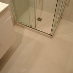 """Rivestimento in resina su bagno • <a style=""""font-size:0.8em;"""" href=""""http://www.flickr.com/photos/87191822@N05/7993396702/"""" target=""""_blank"""">View on Flickr</a>"""