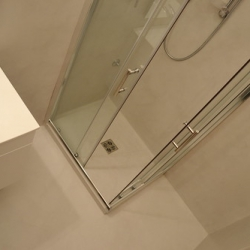 """Rivestimento in resina su bagno • <a style=""""font-size:0.8em;"""" href=""""http://www.flickr.com/photos/87191822@N05/7993392368/"""" target=""""_blank"""">View on Flickr</a>"""