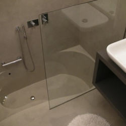 "Rivestimento in resina su bagno • <a style=""font-size:0.8em;"" href=""http://www.flickr.com/photos/87191822@N05/8093695247/"" target=""_blank"">View on Flickr</a>"