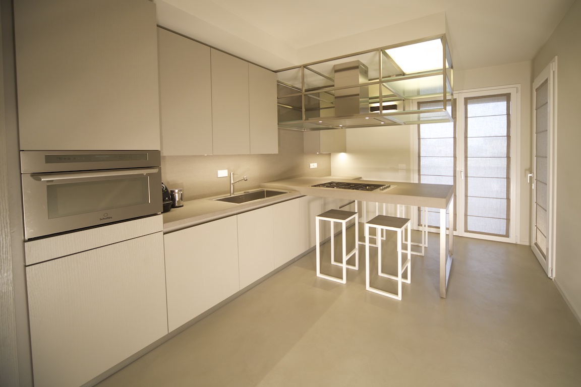 White selection Kitchen